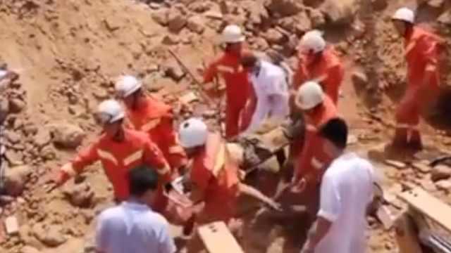 山西平遥村民挖储藏室时发生坍塌,致3死1伤