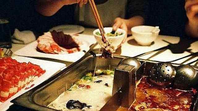 海底捞一门店筷子检出大肠菌群,回应:整改过了,已营业