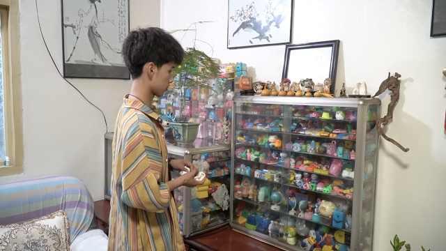 祖孙三代收藏1万多个卷笔刀,去北京旅游背一包