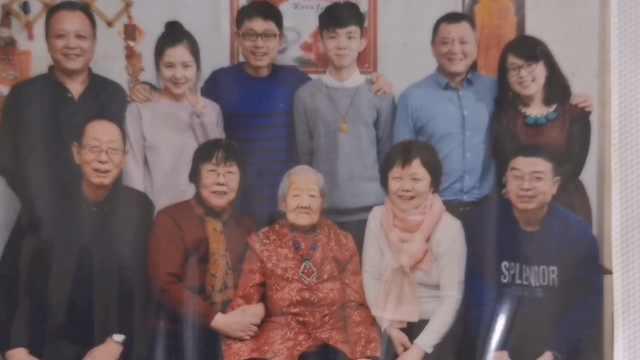 107岁老太每天坚持拉伸锻炼一小时:早上爱喝蜂蜜醋汁