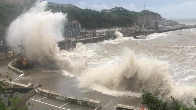 """直播:台风""""黑格比""""继续北上,辽宁吉林迎强风骤雨"""