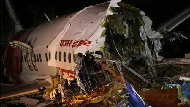 参与客机空难救援的22名官员感染新冠,印度疫情