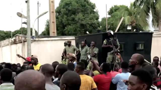 马里发生军事政变,总统总理多名高管均被扣留