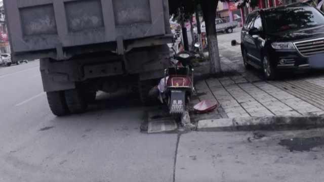 把客户货车停路边致老人撞上身亡,修车厂被判赔11万