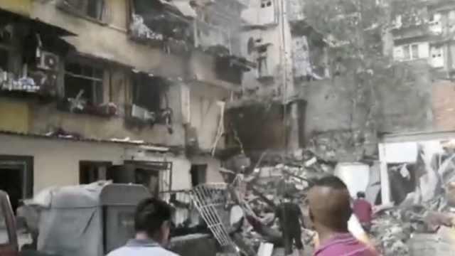 湖北宜昌一小区天然气泄露引发爆炸:致4人受伤