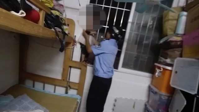 1岁妹妹被反锁屋内爬上防盗窗,5岁哥哥冷静报警