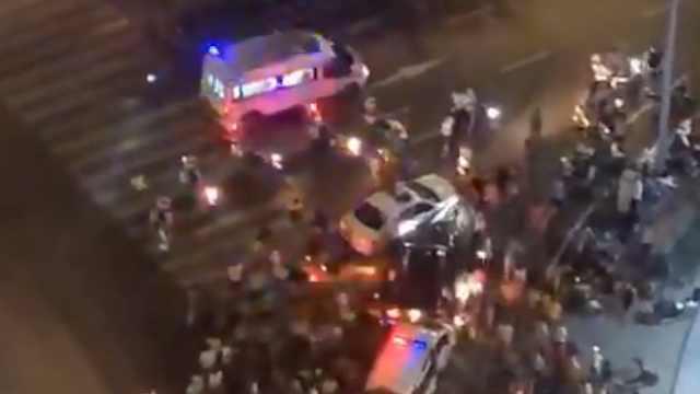 实拍:男子闹市区醉驾肇事逃逸,多辆警车追捕拦截