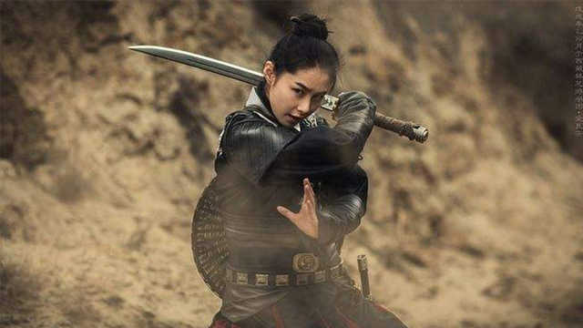 古代九大宝剑之首,削铁如泥,能弯90度,堪称完美冷兵器