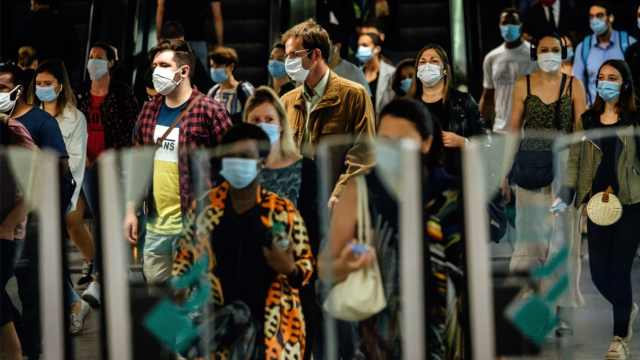 欧洲疫情抬头!单日新增新冠病例超过美国