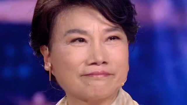董明珠听改编自己故事电视主题曲落泪:斗赢了