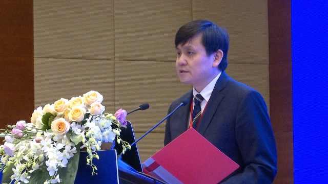 张文宏回应:新冠疫苗需要人人接种吗?