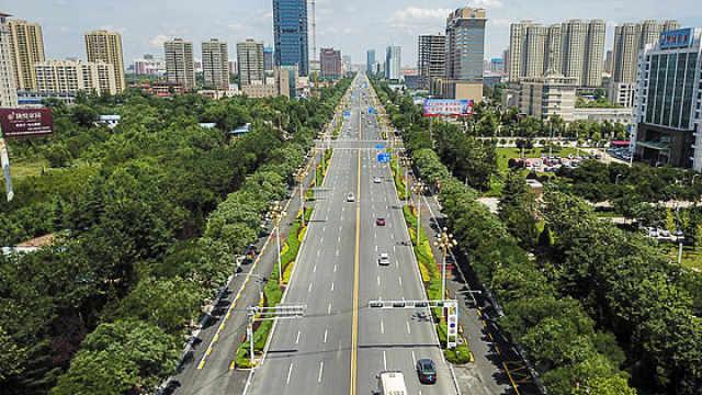 条条马路换新装,西峰城区换新颜
