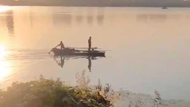 男子被困太湖5小时,80岁阿婆主动请缨摇船救人获奖万元