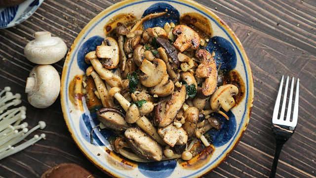 家常美味蘑菇,几分钟上桌,超下饭