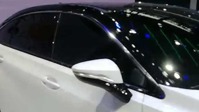 广汽本田首款电动轿车,由广汽研究院研发,加强用户体验优化