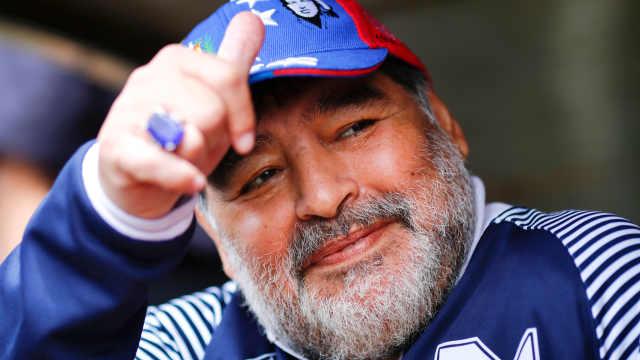 """设立""""马拉多纳教""""!2分钟看阿根廷人对马拉多纳有多狂热"""