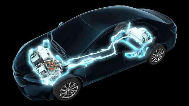 丰田一边打造纯电动车平台,一边唱衰电动车,你怎么看?