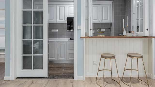 现在厨房流行用子母门!不占空间还美观,聪明人早就装上了!
