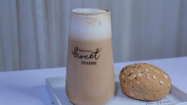 天气冷了自制一杯热乎乎的奶茶,奶香浓郁这也太好喝了吧