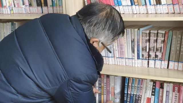 70岁退伍老兵义务当图书管理员6年,做公益捐款3万元