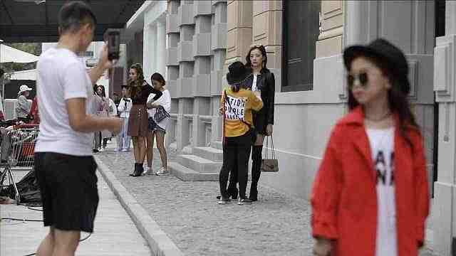 探访杭州淘宝模特拍摄基地:颜值与体力的战争