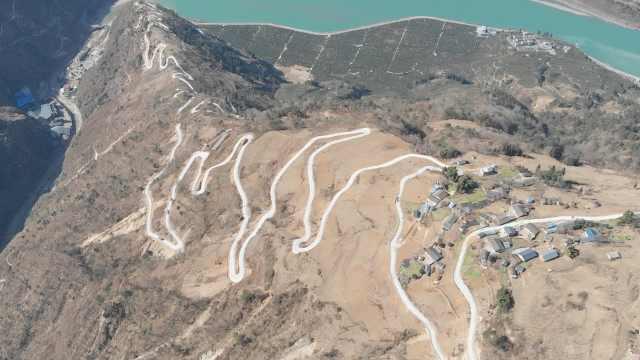 骡子要失业了!四川一新修村路如蛟龙蜿蜒,7公里路海拔升800米