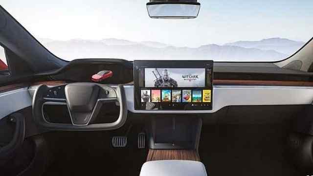 全新Model S官图曝光,标配赛车方向盘?