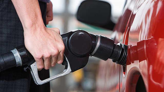 下班快加油!国内油价六连涨,加满一箱多花3元