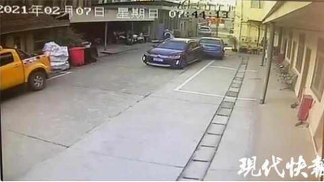 醉驾!撞车!在交警大院里