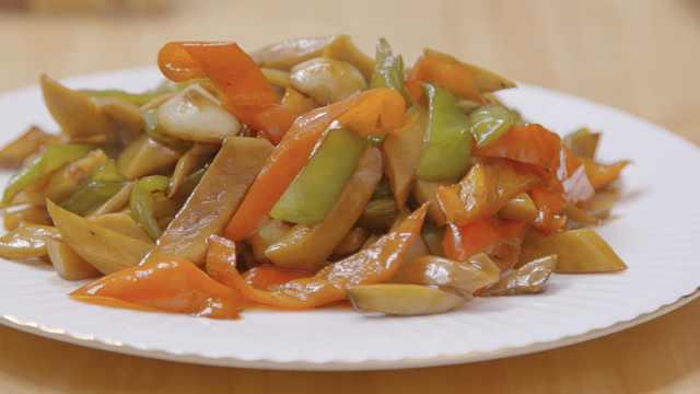 杏鲍菇这么炒,意想不到的好吃!