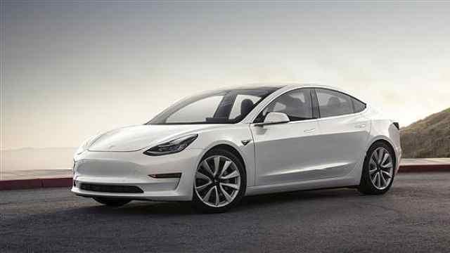 又买早了?特斯拉Model3免征购置税