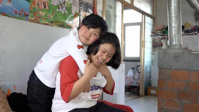 11岁白血病女童疼痛难忍偷偷哭:怕妈妈看见了伤心