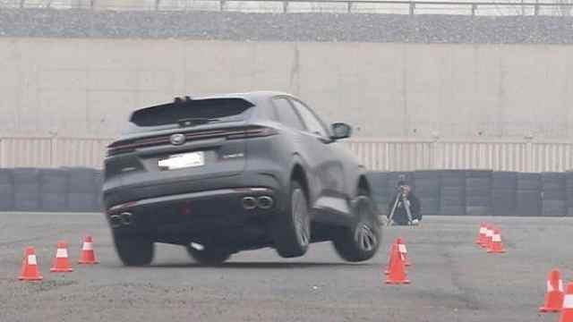 疑似长安回应UNI-K麋鹿测试:车评人断章取义