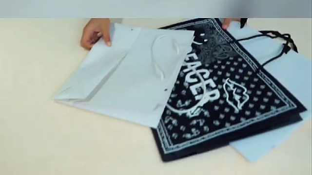 如何将闲置的纸袋变成收纳盒?