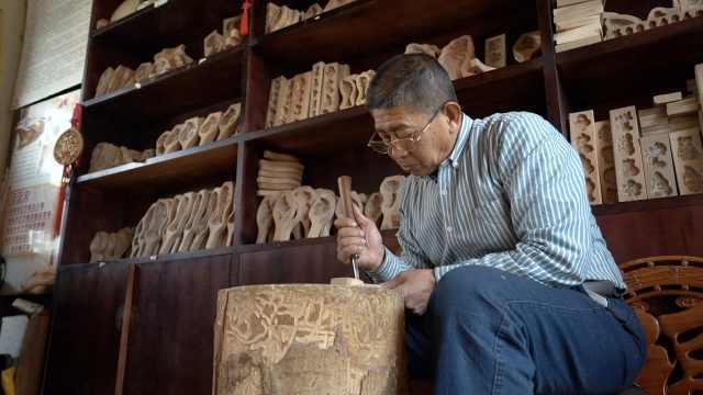山东花式馒头秘诀全靠它!老人雕刻出1米6高的面食模具