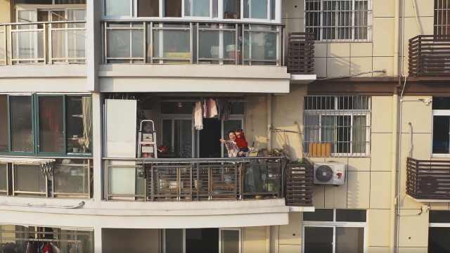 阳台里的武汉