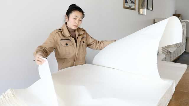 宣纸千年不腐的秘密:原料独特,108道工序3年造一纸