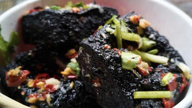臭豆腐为什么闻着臭吃着香?跟螺蛳粉多少有点关系