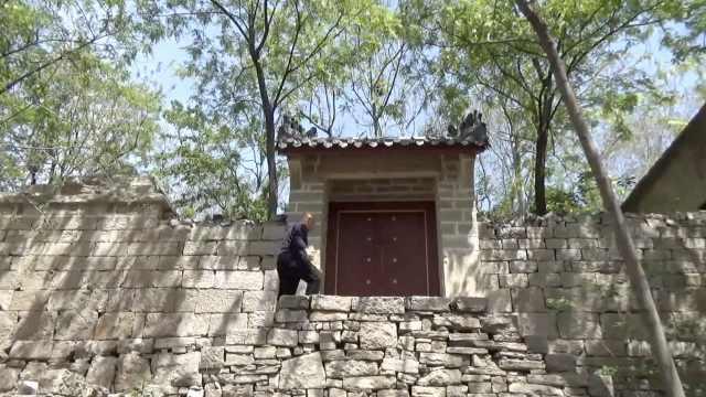500年明代古村落仅剩一户居住,当年的学堂还设有禁闭室