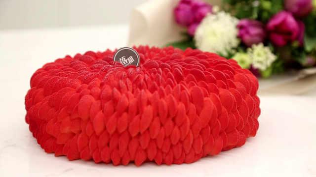 覆盆子蛋糕:疯狂的覆盆子和圣安娜嘴