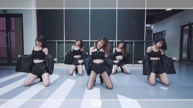 【孙子团】经典回顾|黑丝美女性感舞蹈,致命女团舞一分一秒