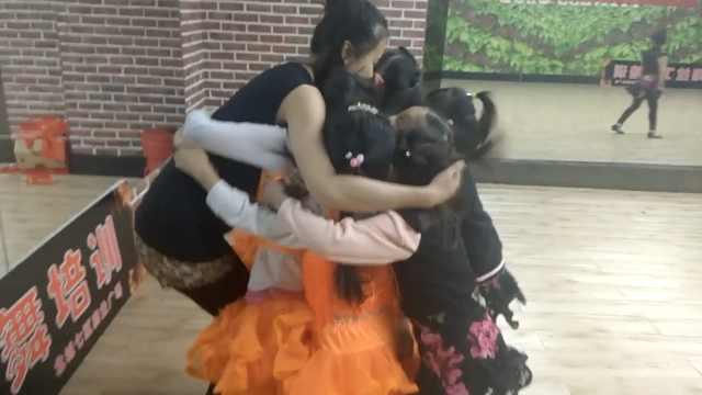她为跳舞放弃当空姐机会:开3所舞蹈学校,想为妈妈买套房