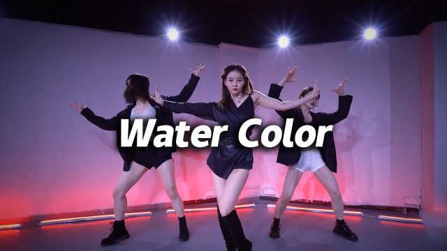 苗苗翻跳丁辉人《Water Color》,甜酷高级感