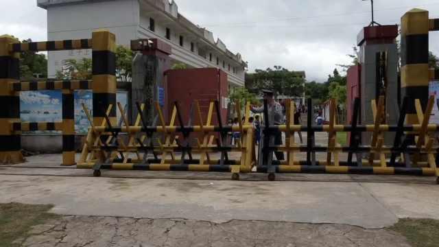 全国唯一的防象特色小学!耗费15吨钢铁,铸起3.4米高防象栏