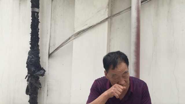 两儿子同时被拐,父亲失踪地等28年,团圆时祖孙3代相拥哭泣
