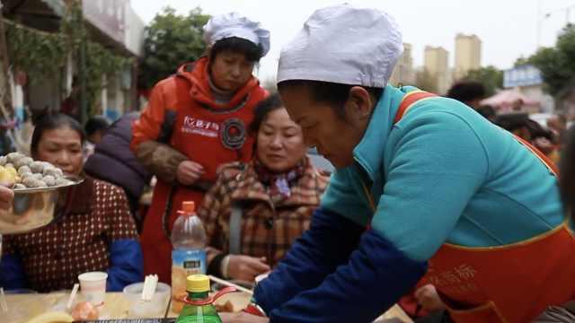 她为亡女圆梦开办老年爱心食堂:每餐只需3元钱