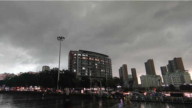 白昼如黑夜,扬州突降暴雨