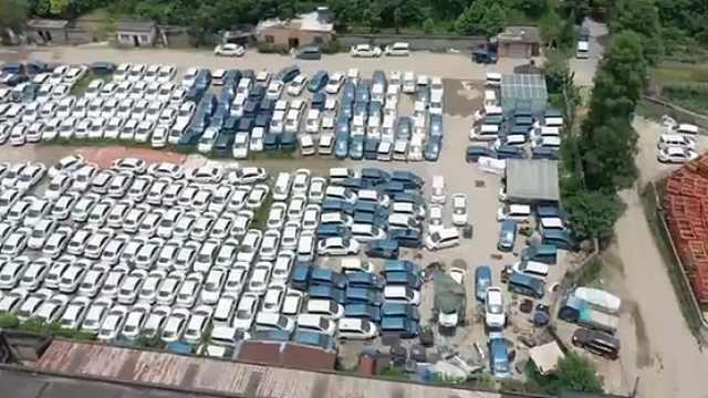 千辆电动车荒废郊外,涉及哪吒、北汽、长安,行业专家:坑人