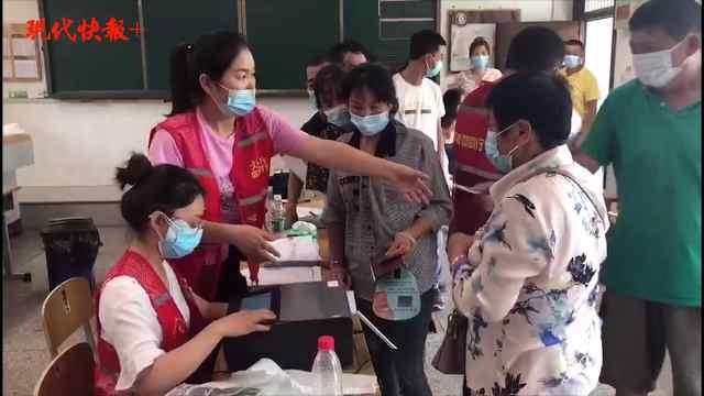 争当志愿者、上门服务……党员冲在核酸检测一线