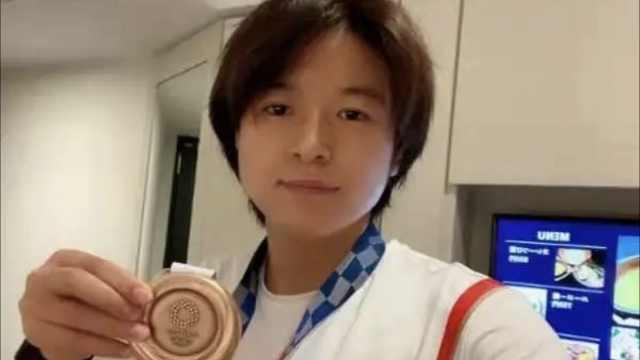 """王丽丽从小爱打篮球,曾被称为""""半场女乔丹"""""""